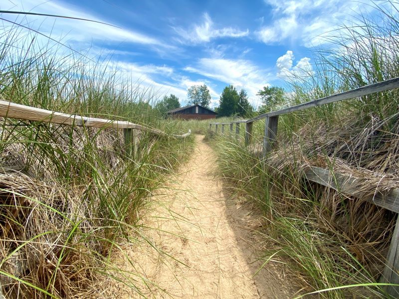 port-crescent-state-park-day-use-area-dunes-view-ks-2020-pic-2-sz-800